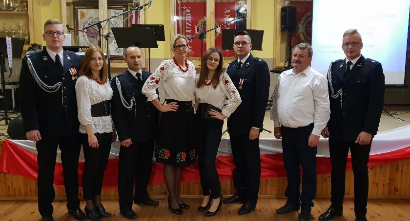 Wydarzenia lokalne, Patriotyczna biesiada Bobrownikach - zdjęcie, fotografia
