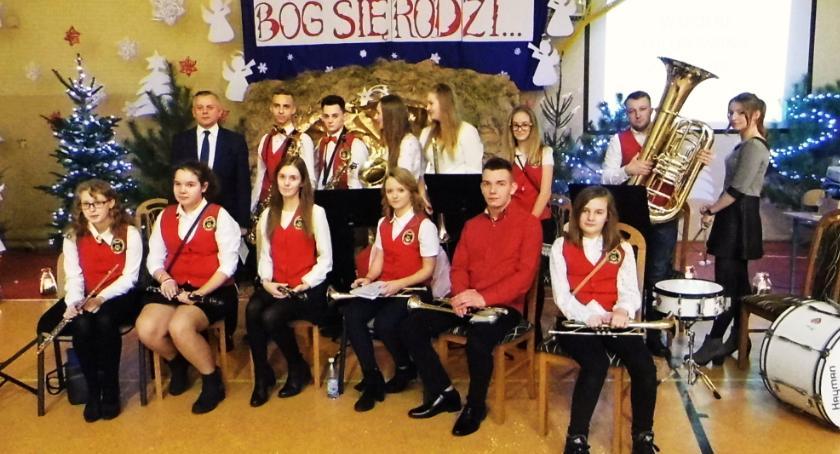 Wydarzenia lokalne, Patriotyczne kolędowanie Maliszewie - zdjęcie, fotografia