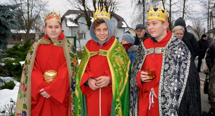 Wydarzenia lokalne, Mieszkańcy Kikoła uczcili Trzech Króli - zdjęcie, fotografia