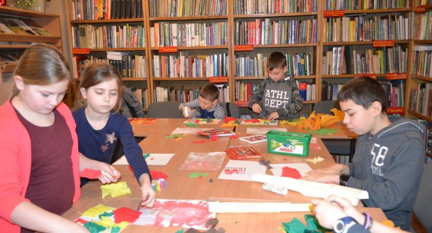 Biblioteki, Ptaki bibliotece - zdjęcie, fotografia