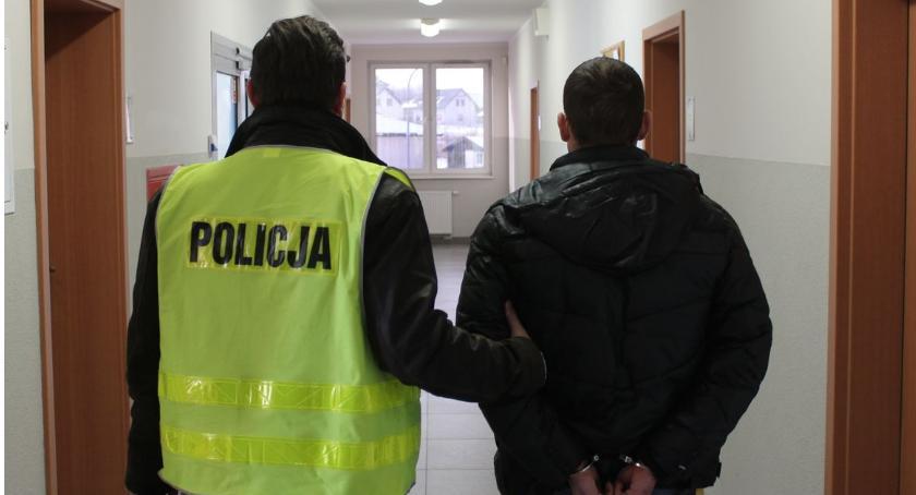 Kronika kryminalna, Areszt rozbój - zdjęcie, fotografia