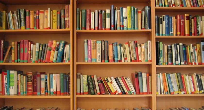 Biblioteki, Wędrujący bibliotekarze - zdjęcie, fotografia