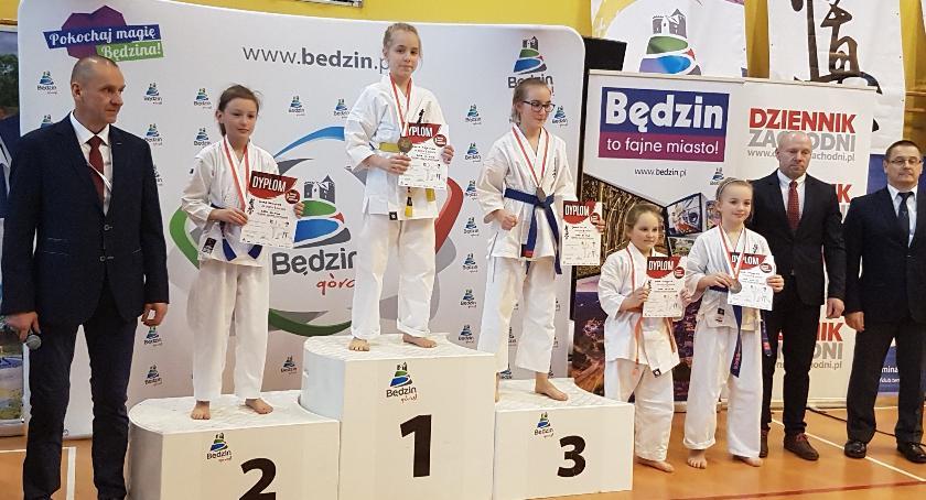 Sporty wodne, Medale karateków - zdjęcie, fotografia