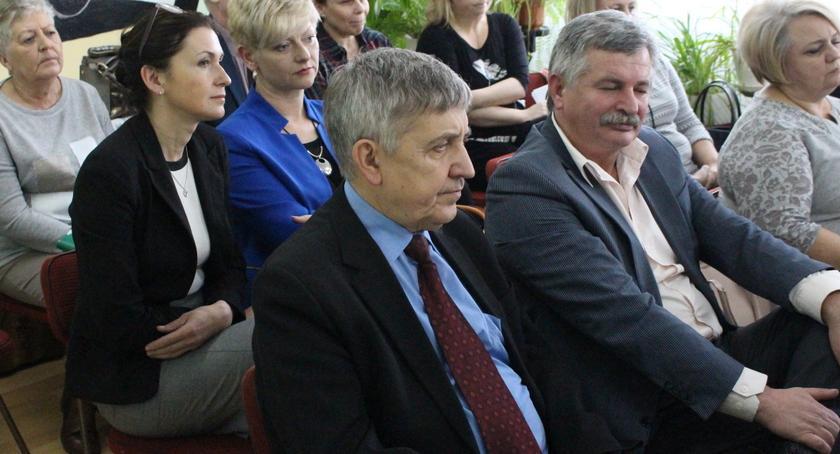Samorząd Powiatowy, Waleczko wypalił Wasielewski szuka lekarzy - zdjęcie, fotografia