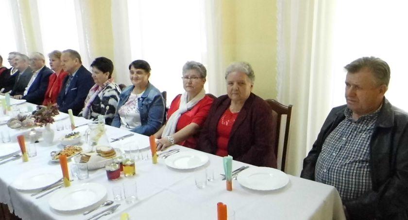 Wydarzenia lokalne, Emeryci świętowali przyjaciółmi - zdjęcie, fotografia