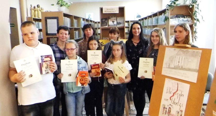 Biblioteki, Promują czytelnictwo - zdjęcie, fotografia