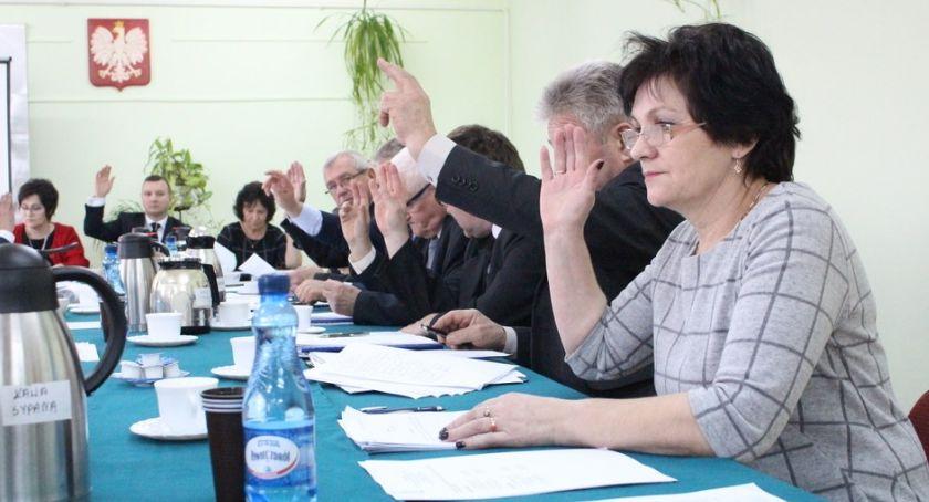 Samorząd Powiatowy, Pozyskali milionów złotych - zdjęcie, fotografia