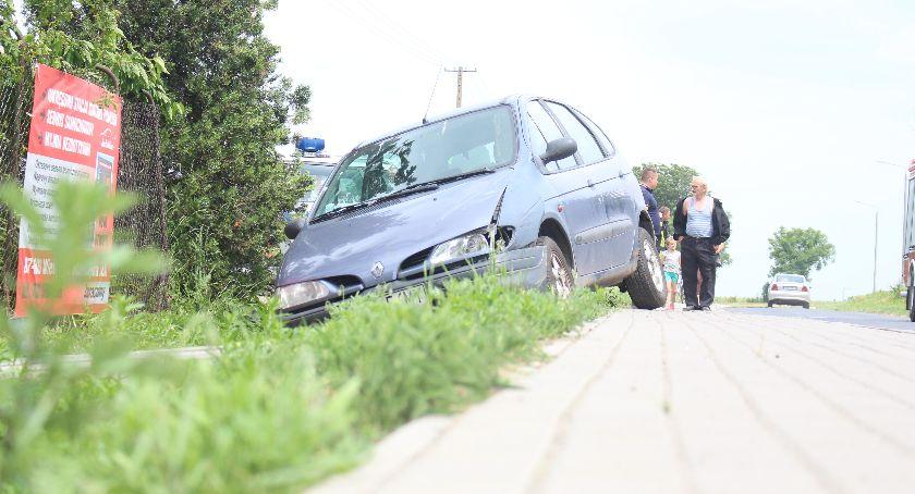 Wypadki, Chwile grozy sklepie Olesznie - zdjęcie, fotografia