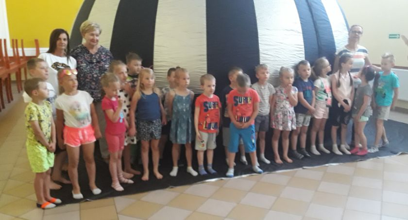 Domy kultury, Gratka ponad setki dzieci - zdjęcie, fotografia