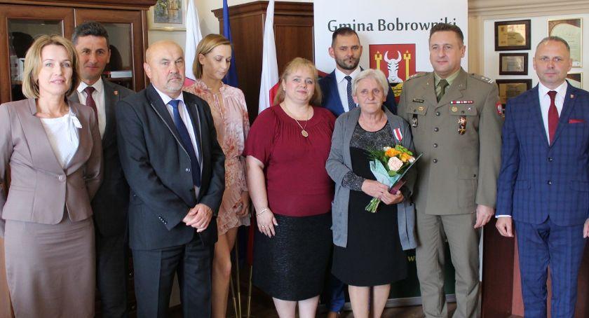 Ciekawi ludzie, Srebrny medal zasługi - zdjęcie, fotografia