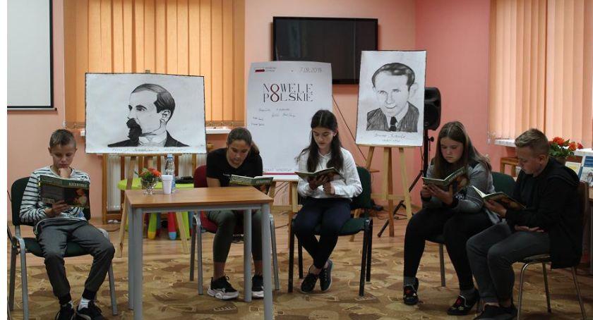 Biblioteki, Czytali polskie nowele Tłuchowie - zdjęcie, fotografia