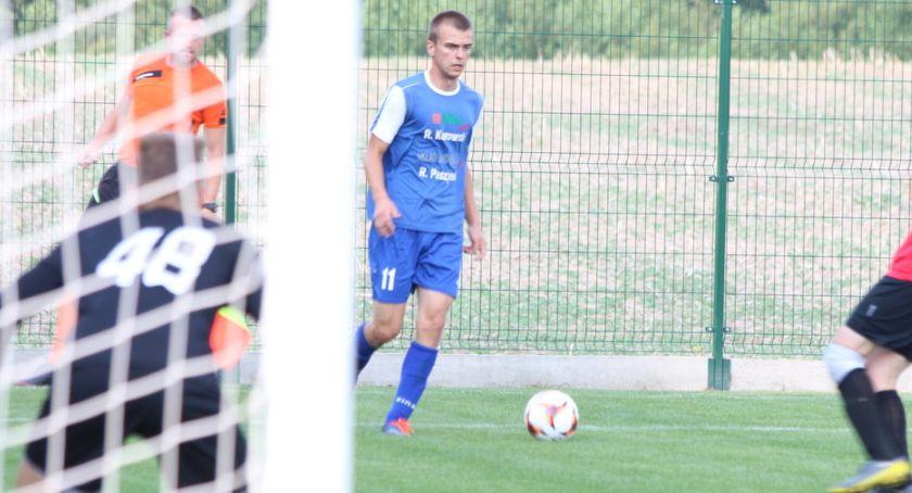 Piłka nożna, Wicher zagrał Wichrem - zdjęcie, fotografia