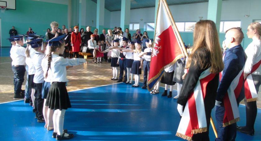 Edukacja, Pełnoprawne pierwszaki Zadusznik - zdjęcie, fotografia