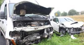 Wypadek na skrzyżowaniu, kobieta w szpitalu