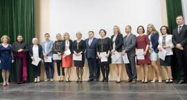Jedenastu docenionych nauczycieli z powiatu lipnowskiego