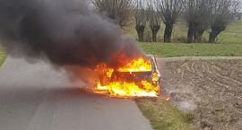 Makabra w Julkowie! Zwęglone ciało w samochodzie