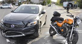 Wypadek z winy motocyklisty. Kobieta w szpitalu