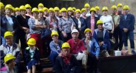 Studenci-seniorzy z Wielgiego zeszli pod ziemię