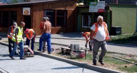 Budują zatoki postojowe w Lipnie