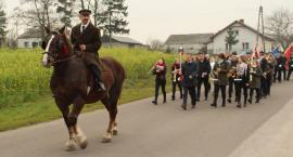 Piłsudski przejechał ulicami Brzeźna