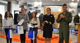 Uczniowie Szkoły Podstawowej w Maliszewie na konkursie wiedzy lotniczej w Pile