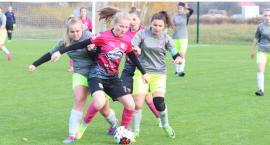Piłkarki Mustanga Wielgie zagrały z klubem z ekstraklasy [zdjęcia]