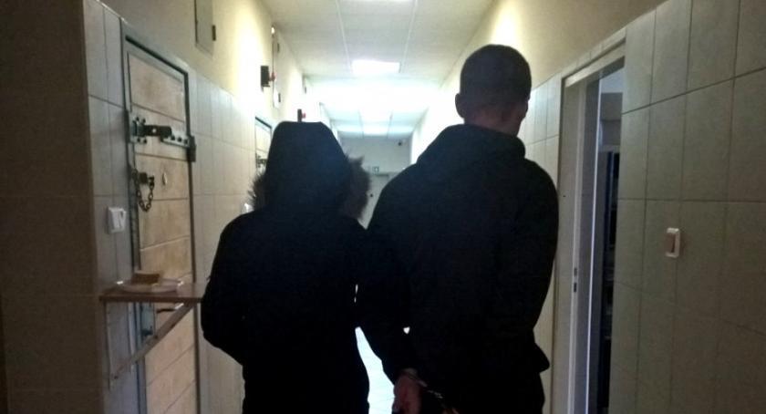 Bezpieczeństwo, Sukces bemowskich policjantów - zdjęcie, fotografia