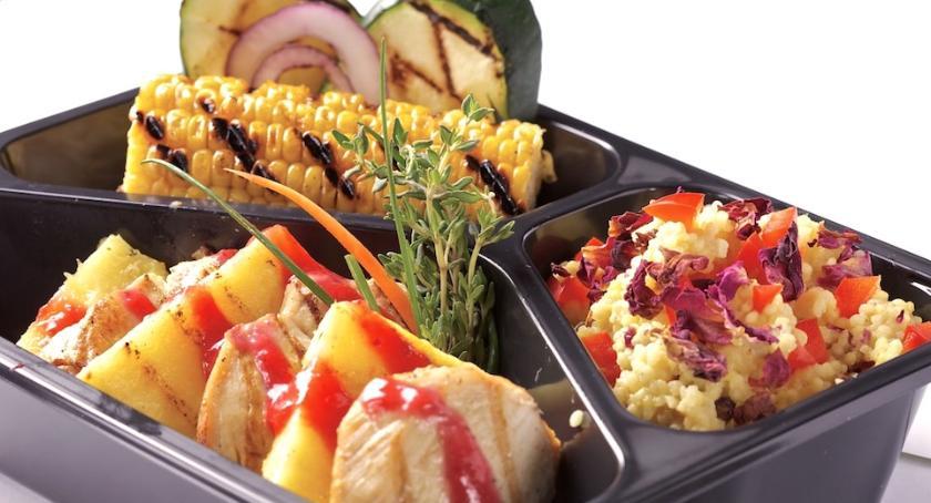 Zdrowie, Catering dietetyczny pomaga uzyskaniu szczupłej sylwetki - zdjęcie, fotografia