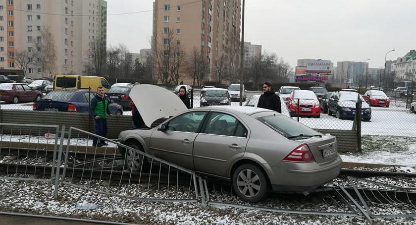 Komunikacja, Uwaga wypadek - zdjęcie, fotografia