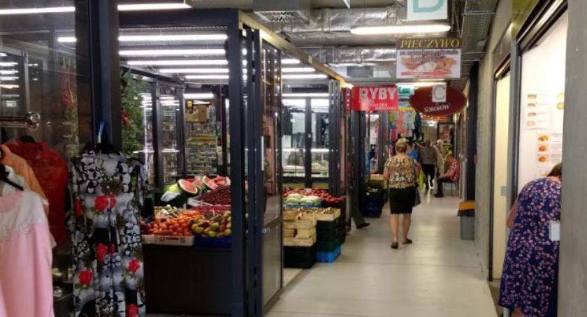 Handel i usługi, Handlowa niedziela Zieleniaku - zdjęcie, fotografia