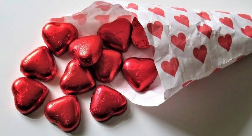 Wiadomości, Polacy lubią Walentynek - zdjęcie, fotografia