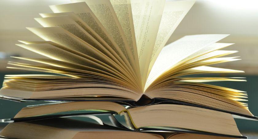 Książka, Akcja Zaczytani Wspomóż książką! - zdjęcie, fotografia