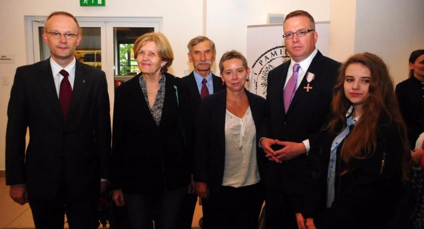 Historia, Mieszkaniec Bemowa Robert Małłek odznaczony Krzyżem Wolności Solidarności - zdjęcie, fotografia