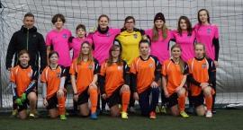 Doping dla bemowskich dziewczyn z Warszawskiej Akademii Piłkarskiej