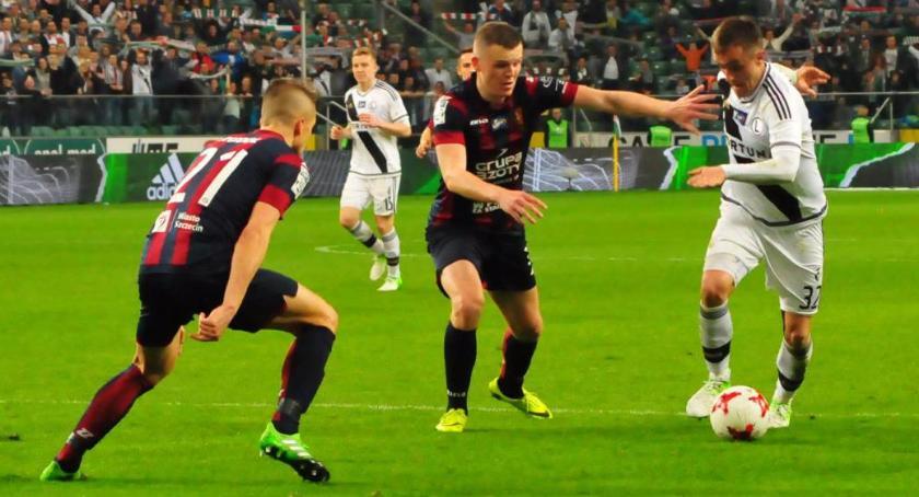 Piłka nożna, Legia dalej - zdjęcie, fotografia
