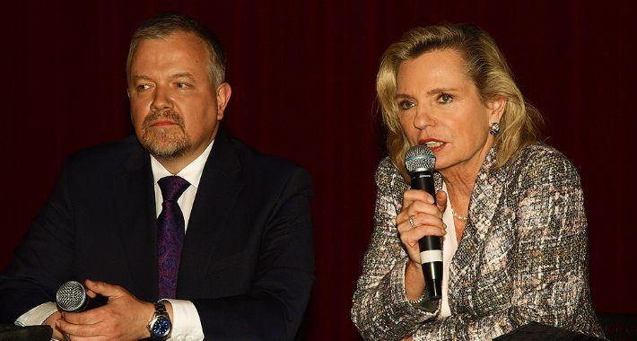 Ludzie, Spotkanie kandydatami Sejmu Senatu - zdjęcie, fotografia