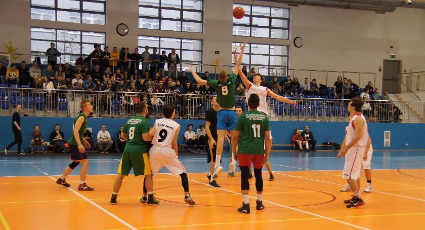 Inne dyscypliny, Zmagania koszykarzy - zdjęcie, fotografia