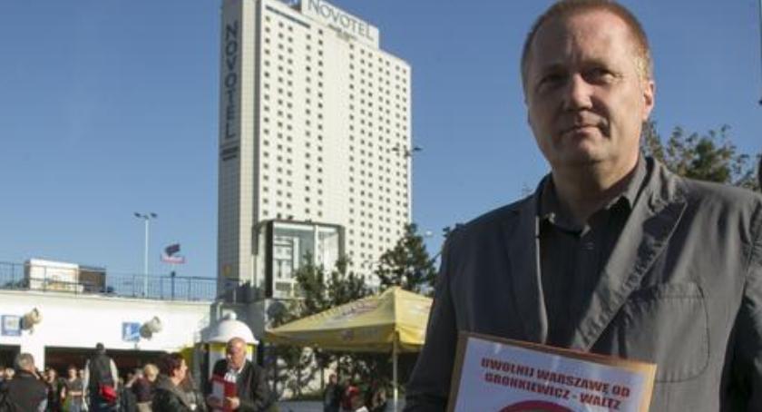 """Polityka, Wojciech Papis """"Politycy powinni pracować rzecz obywateli odwrót!"""" - zdjęcie, fotografia"""