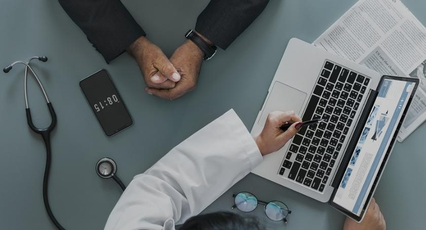 Opieka zdrowotna, System usług spotkał pozytywnym odbiorem mówi dyrektor Szpitala Inflancka - zdjęcie, fotografia
