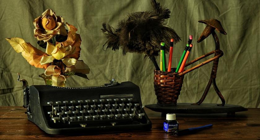 Pisanie jest sposobem na dzielenie się ze światem swoimi emocjami.