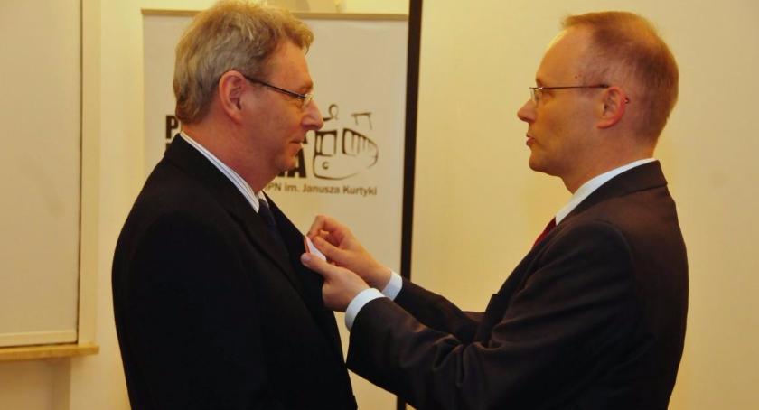 Historia, Mieszkaniec Bielan Wiktor Ćwiklik odznaczony Krzyżem Wolności Solidarności - zdjęcie, fotografia