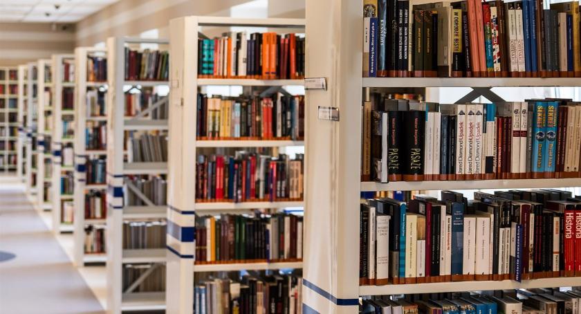 Inwestycje, biblioteka Kijowskiej - zdjęcie, fotografia