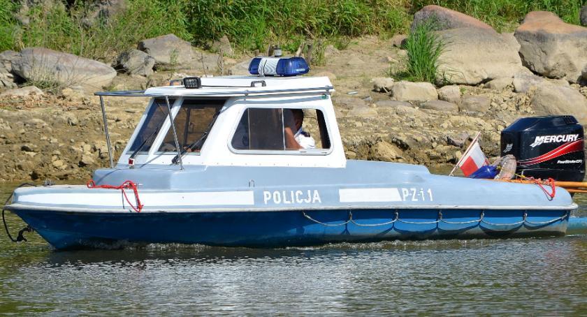 Na sygnale, Trwają poszukiwania mężczyzny który wpadł Wisły - zdjęcie, fotografia