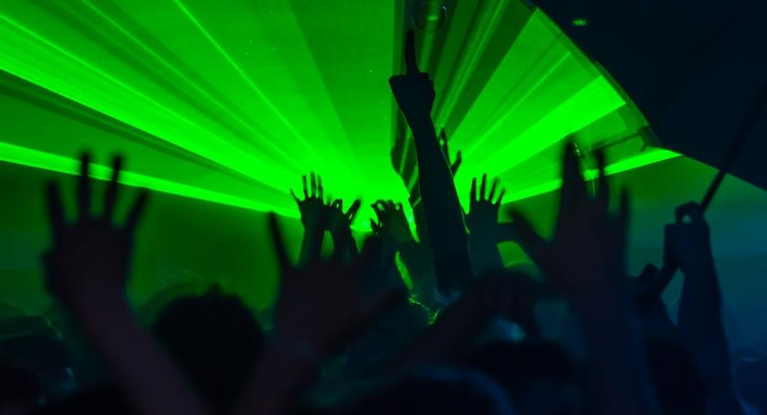 Imprezy, Weekend klubokawiarniach listopada - zdjęcie, fotografia