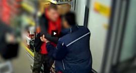 Atak na tle rasowym w Praskim sklepie [FILM]