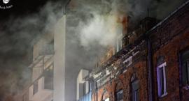 Pożar w kamienicy przy ul. Okrzei [ZDJĘCIA]
