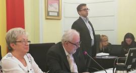 Sesja Rady Dzielnicy Praga-Północ: godnie, rzetelnie i uczciwie. Kto został radnym?