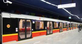 Awaria metra. Pociągi kursują wahadłowo [AKTUALIZACJA: Utrudnienia zakończone]