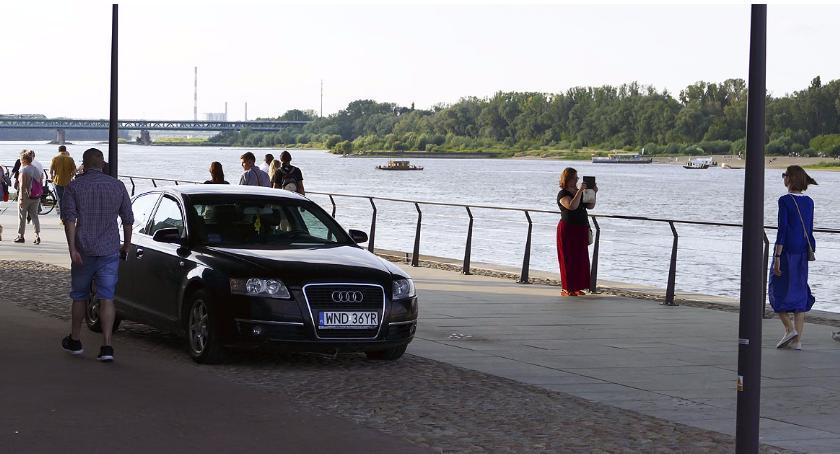 Mistrzowie parkowania, Parkowanie Bulwarach - zdjęcie, fotografia