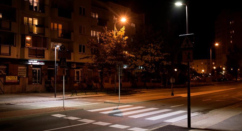 Bezpieczeństwo, Przetarg oświetlenia - zdjęcie, fotografia